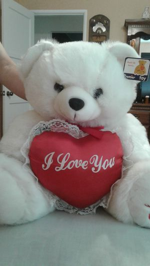 Big, cute teddy bear for Sale in San Bernardino, CA