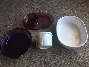 Corning Ware and Pyrex Dishes - Casserole Dish, Soup cup with lid, Pie Plate, and Plate with Bowl. Lot of 5 for Sale in Kissimmee, FL