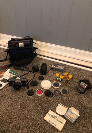 Canon TX with lens, case, flash for Sale in Chicago, IL