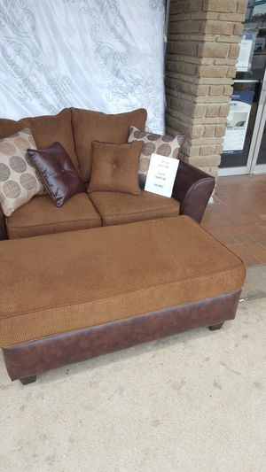 3205 s kingshighway home decor furniture across from HOME depot for Sale in St. Louis, MO