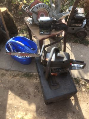 """18"""" solid craftsman gas chainsaw fires up right away for Sale in Portland, OR"""