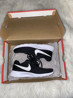 Women's Nike Tanjun for Sale in Lakewood, CA