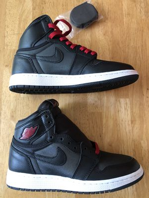 Brand new Nike air Jordan 1 retro high og Black white red shoes youth 4.5, women's 6 for Sale in La Mesa, CA