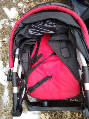 Stroller and car seat with base for Sale in Colorado Springs, CO