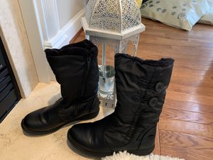 Totes black women's waterproof snow boot for Sale in Sully Station, VA