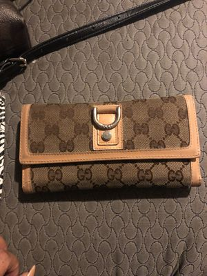 Gucci wallet for Sale in Centennial, CO