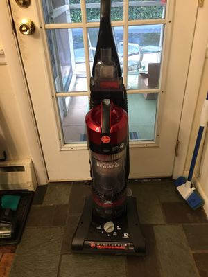 Hoover wind tunnel to rewind pet vacuum for Sale in Pottstown, PA