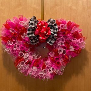 Minnie Mouse Wreath for front door for Sale in Chicago, IL