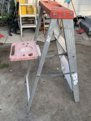 4ft step ladder for Sale in Tampa, FL