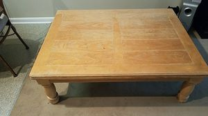 Great condition solid wood table for Sale in Cleveland, OH
