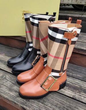 WOMENS BURBERRY RAINBOOTS for Sale in St. Louis, MO