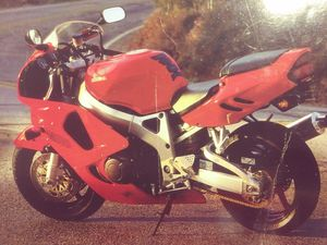 Honda Cbr 900 R R Fireblade for Sale in Chicago, IL