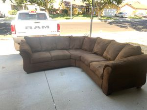 Sectional couch for Sale in Hemet, CA
