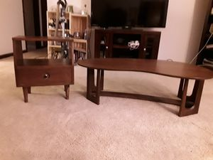 Mid century kidney shaped cocktail table and end table for Sale in Bloomington, IL