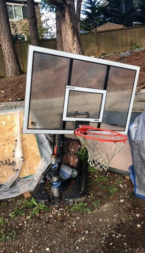 Basketball hoop for Sale in Bellevue, WA