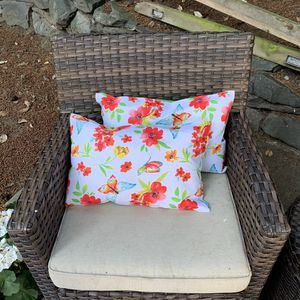 Floral Buttery Patio Pillows - Set of 2 for Sale in Tacoma, WA