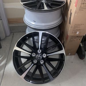 """Rims Toyota Camry 2018 19"""" for Sale in Fresno, CA"""