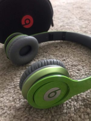 Beats by dre HD Solo green wired headphones for Sale in Salt Lake City, UT