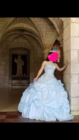 Quinceañera dress/vestido de quince for Sale in Miami, FL