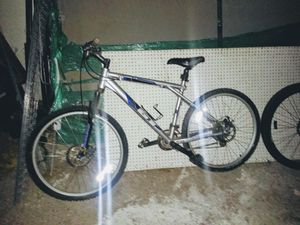 GT All-Terrain Mountain Bike with disc brakes for Sale in North Las Vegas, NV