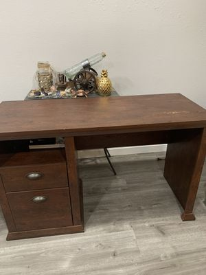 Desk brown for Sale in Greenwood Village, CO