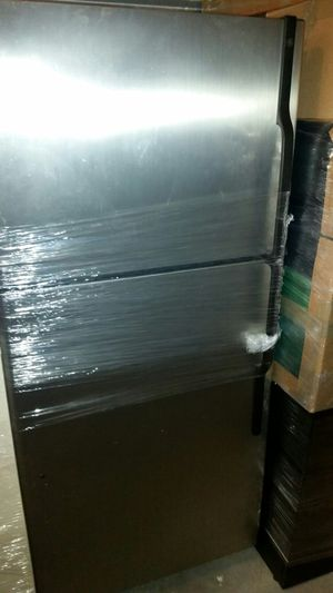 GE Stainless steel Refrigerator for Sale in Manassas, VA