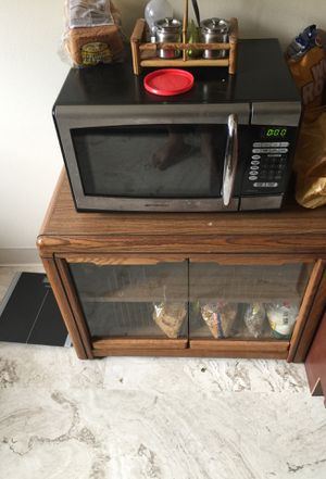 Microwave oven -Very Good Condition Emerson brand for Sale in Falls Church, VA
