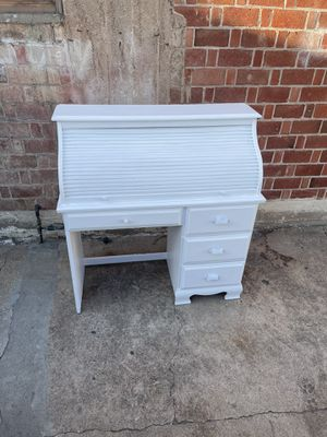 White roll top desk pick up or delivery la Mesa for Sale in San Diego, CA