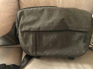 Incase dslr sling bag for Sale in San Francisco, CA