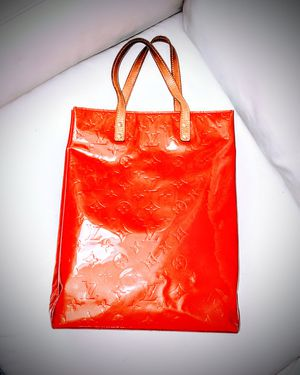 Louis Vuitton Red Vernis large tote bag 100% authentic for Sale in Issaquah, WA