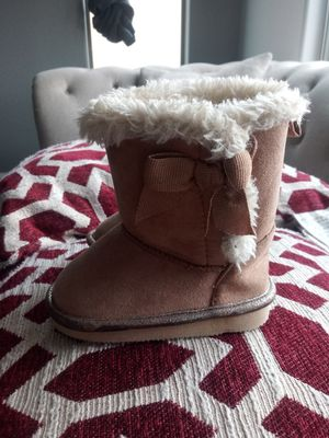 Baby girl boots size 4c 👢 for Sale in Phoenix, AZ