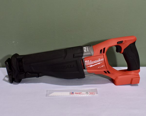 Milwaukee M18 FUEL Sawzall Reciprocating Saw (Tool-Only)