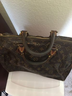 Louis Vuitton Speedy bag 35 mm for Sale in Portsmouth, VA