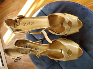 Guess tan heels new size 7.5 for Sale in West Covina, CA