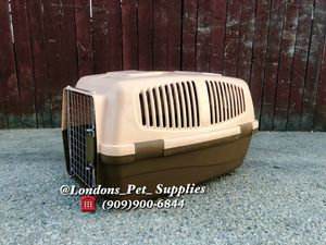 "NEW!! 24"" Cat/ Dog Plastic Kennel (Carrier) for Sale in Colton, CA"