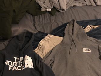 Men's The North face Sweater for Sale in Tulare,  CA