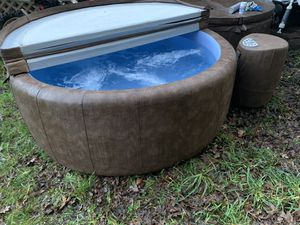 Softub 300 for Sale in Roy, WA