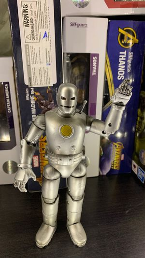 Marvel Toy Biz Iron Man Figure 6 inch for Sale in Norwalk, CA