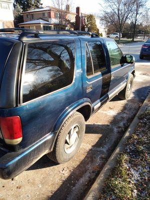 2001 Chevy Blazer 4x4 for Sale in Taylor, MI