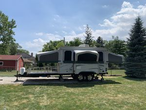 2006 Starcraft 36RT pop up toy hauler for Sale in Rosemont, IL
