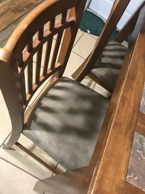 Dinner table chairs for Sale in Fort Lauderdale, FL