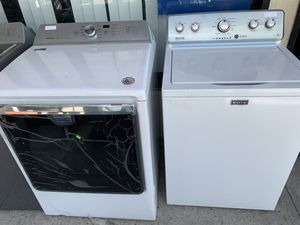 Maytag washer and dryer gas set for Sale in Corona, CA