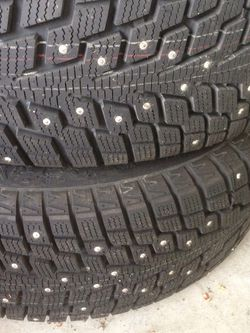 "Snow Tires With 16"" Wheels for Sale in Kent,  WA"