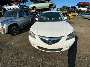 Mazda 3 2007 only parts transmission good for Sale in Miami Gardens, FL