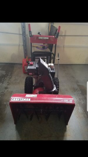 """Craftsman 28"""" 9.0 HP Snowblower in perfect Condition for Sale in Waterbury, CT"""