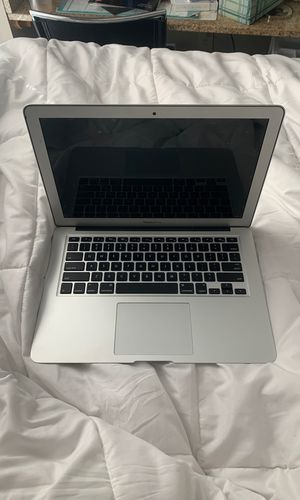 MacBook Air 13inch for Sale in Fairview Park, OH
