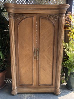 Dresser armoire for Sale in Ontario, CA