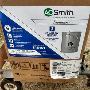 Brand New In Box Water Heater for Sale in Batesburg-Leesville, SC