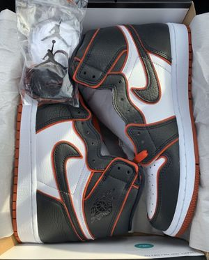 Air Jordan 1 Retro High Bloodline Size 9.5 for Sale in Lawndale, CA