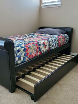 Excellent Condition Twin With Top Mattress for Sale in Orlando,  FL